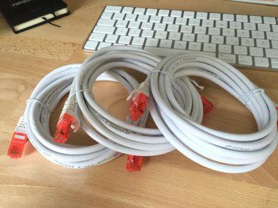 Weiße CAT.6 Kabel
