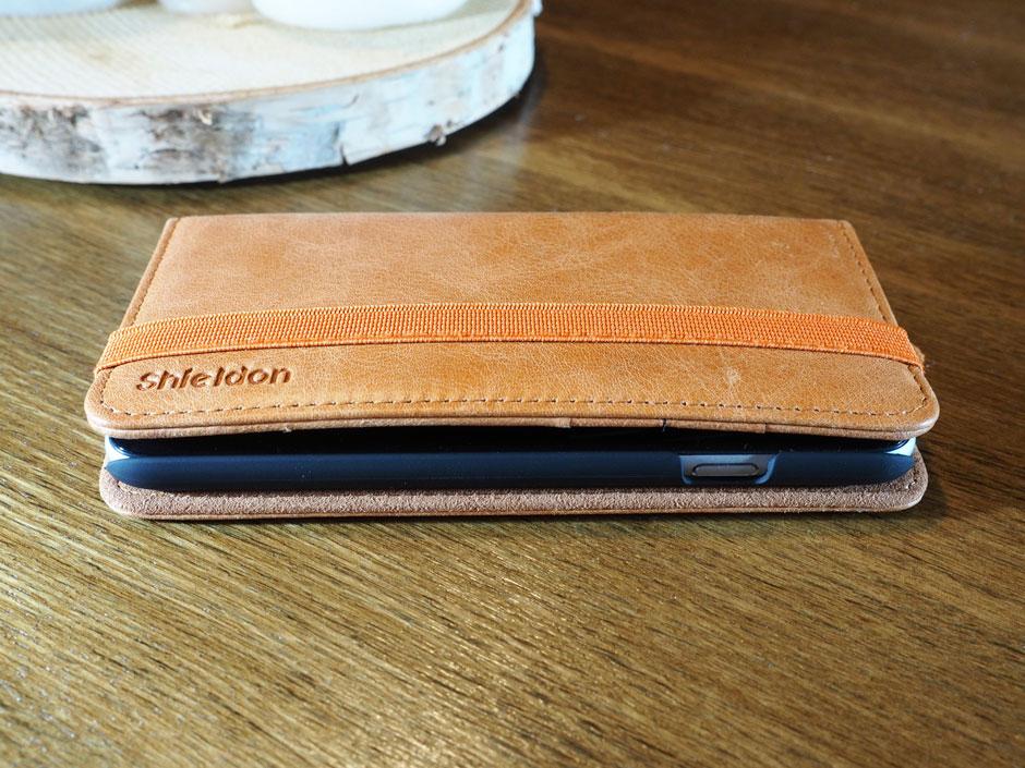 Shieldon Folio - selbst 3 Karten tragen nicht auf