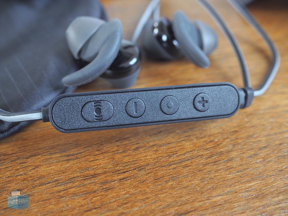 JBL Reflect Aware Remote