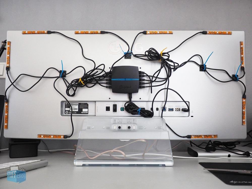 Monitor Rückseite mit Lightpack